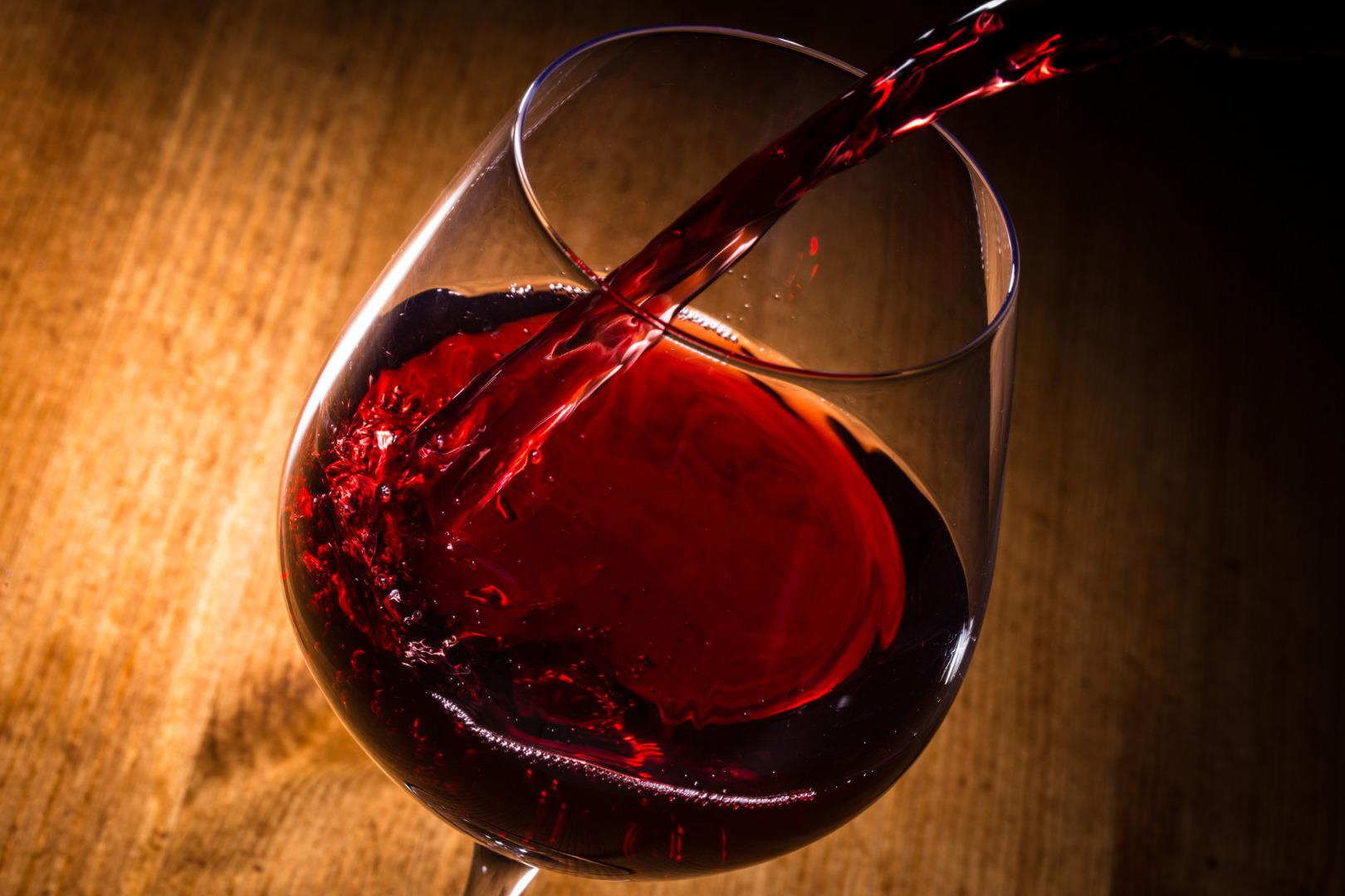 ボジョレー・ヌーボーとは?解禁日が楽しみなワインの産地の魅力 神の ...